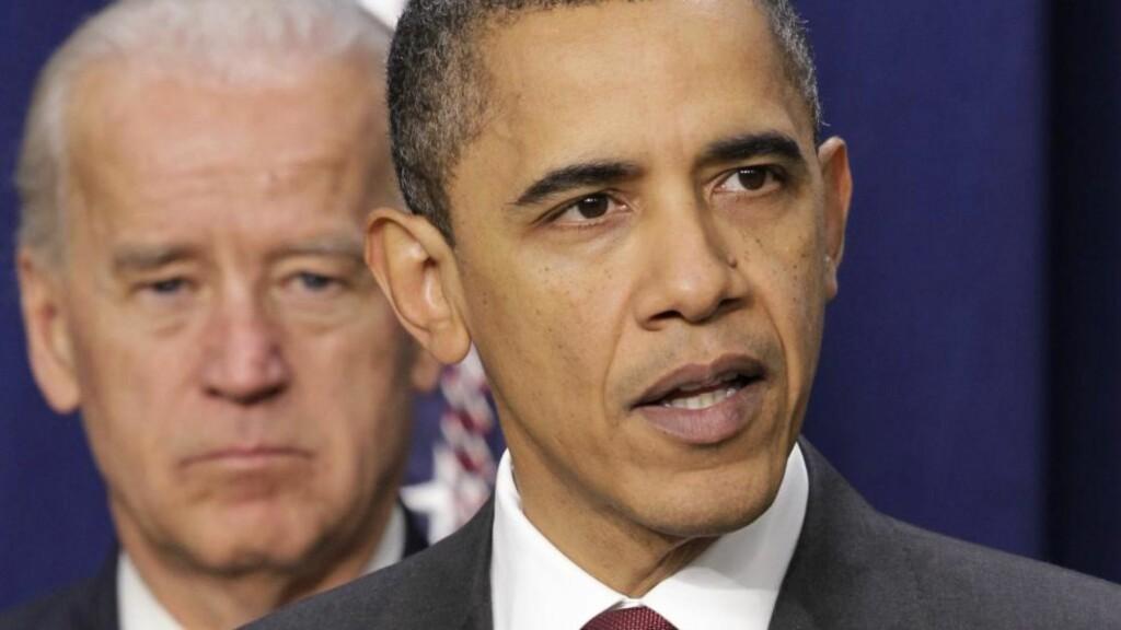 TØFT ÅR I VENTE: Til tross for at USAs president Barack Obama kan puste litt ut fordi den amerikanske økonomien tilsynelatende er på bedringens vei, spår ekspertene at 2011 kan bli et tøft år for amerikanske delstater og kommuner. Foto: AP Photo/J. Scott Applewhite