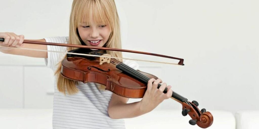 MUSIKK: Mange begynner med fiolin, men det ligger mange timer bak for å bli skikkelig flink.  FOTO: iStockphoto