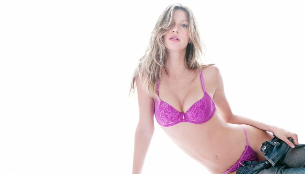 FORTSATT PÅ TOPP: Gisele Bündchen har rundet 30 og født to barn, men er fremdeles verdens hotteste supermodell.  Foto:  All Over Press