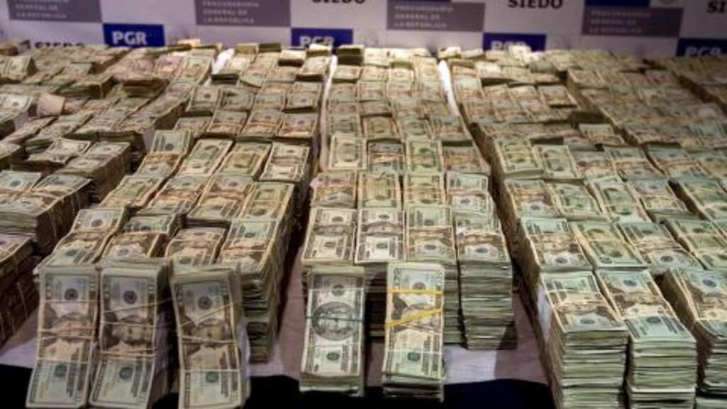 TJENER FETT: De kriminelle gjengene tjener store penger på smugling av narkotika. Foto: EPA/David de la Paz/Scanpix