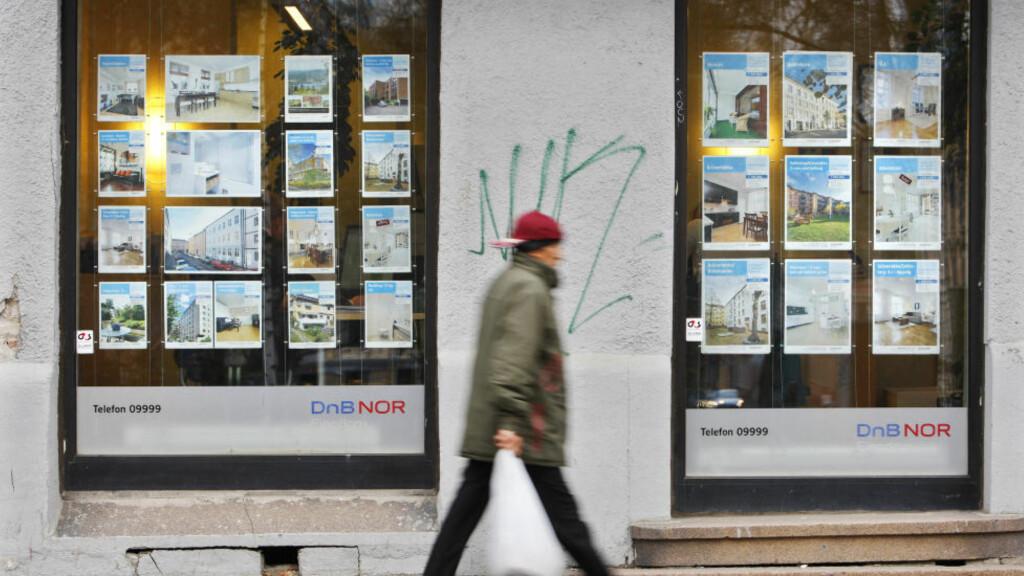 BOLIGPRISENE NED: Månedstallene fra Norges Eiendomsmeglerforbund viser at boligprisene gikk ned 1,1 prosent i desember. Foto: Erlend Aas / SCANPIX