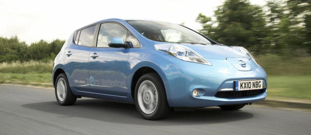 HELELEKTRISK: Nissan Leaf, den første helelektriske femseteren på markedet utviklet med tanke på eldrift, kommer i salg til sommeren.