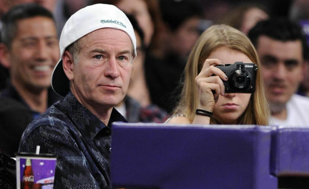 SER INGEN TRUSLER: John McEnroe mener folk som Andy Murray og Novak Djokovic må jobbe hardere enn noen gang for å hamle opp med Nadal og Federer.Foto: SCANPIX/AP Photo/Mark J. Terrill
