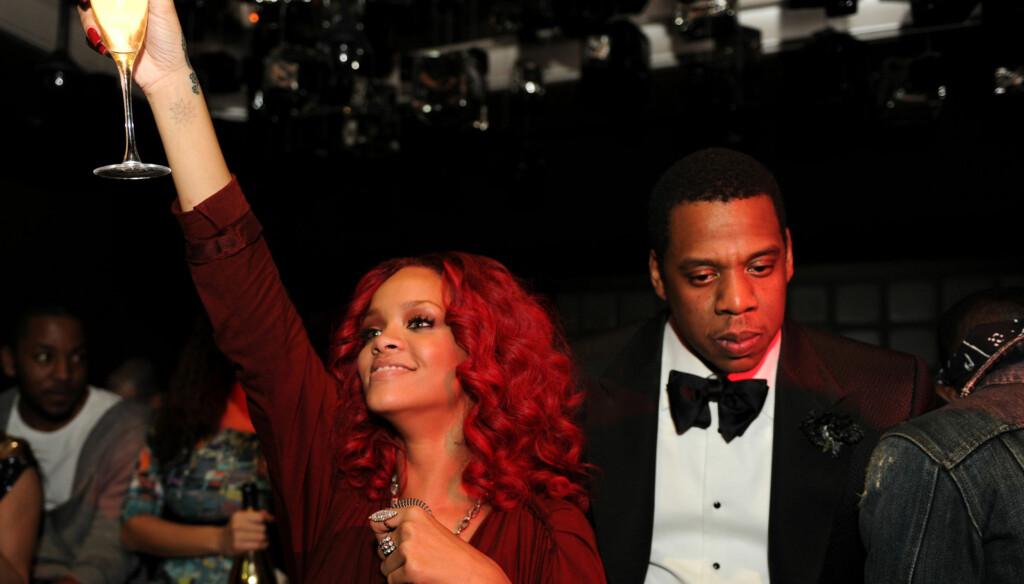 VIL IKKE HJELPE: Rihannas ville fsting er i ferd med å komme fullstendig ut av kontroll. Likevel nekter mentoren hennes Jay Z å gripe inn. Foto: All Over Press