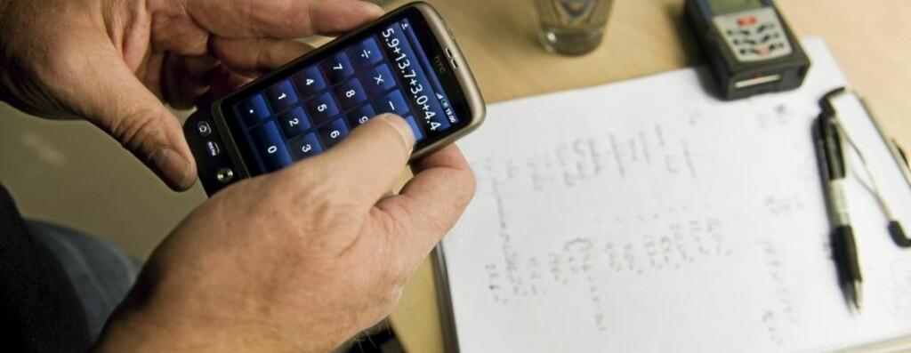 NY LIGNINGSVERDI: Mange opplever at den nye, beregnede ligningsverdien er veldig mye høyere enn den gamle. Rådet fra fagfolk er å vente med å klage til ligningen kommer i april. Foto: Aleksander Andersen/Scanpix