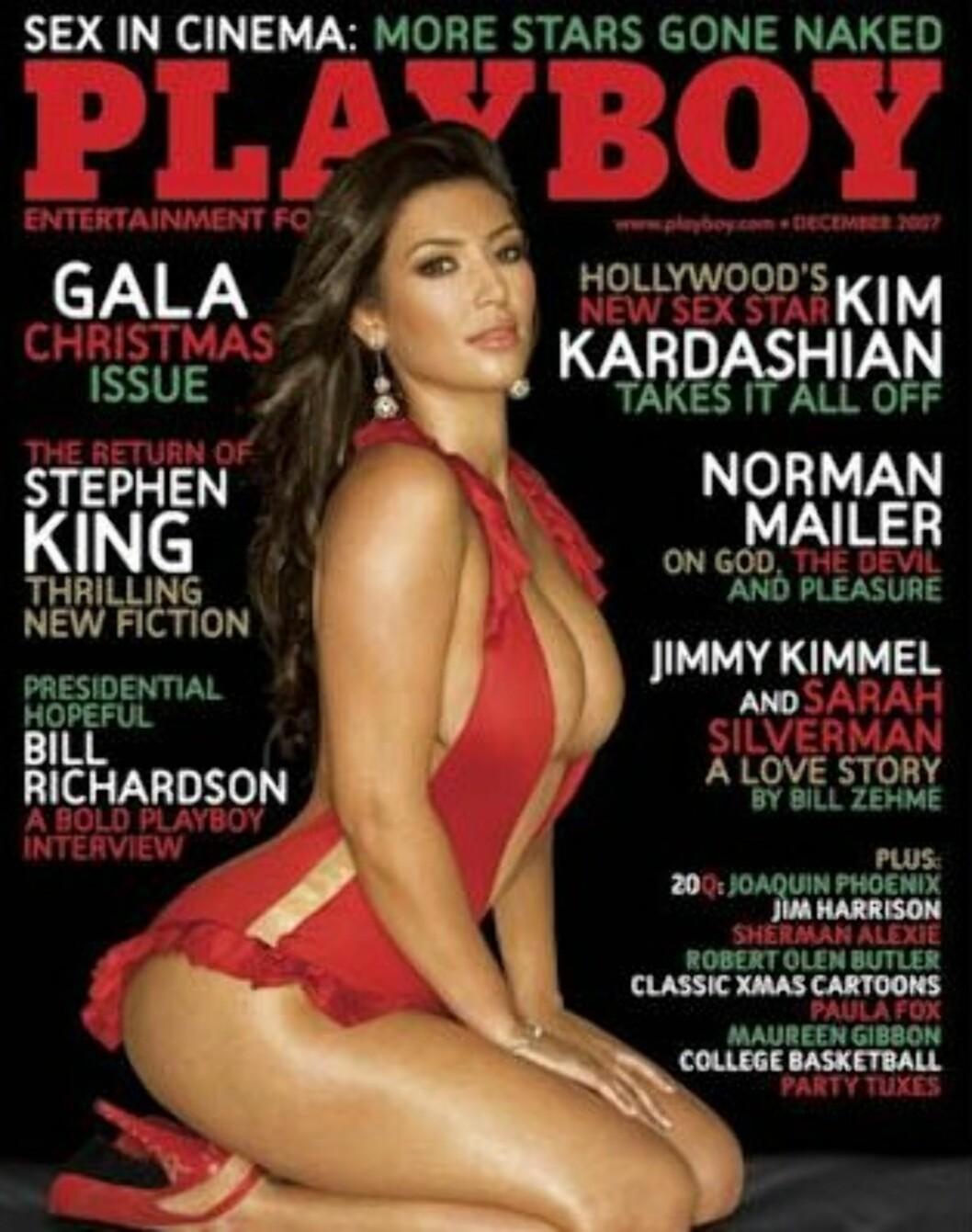 MELKET KUA: I 2007, rett etter at den verdensberømte sex-tapen hadde blitt lekket, stilte Kim Kardashian opp i en rød, svært utringet kjole for Playboy. Dette fikk hun 650 000 kroner for. Foto: Faksimile