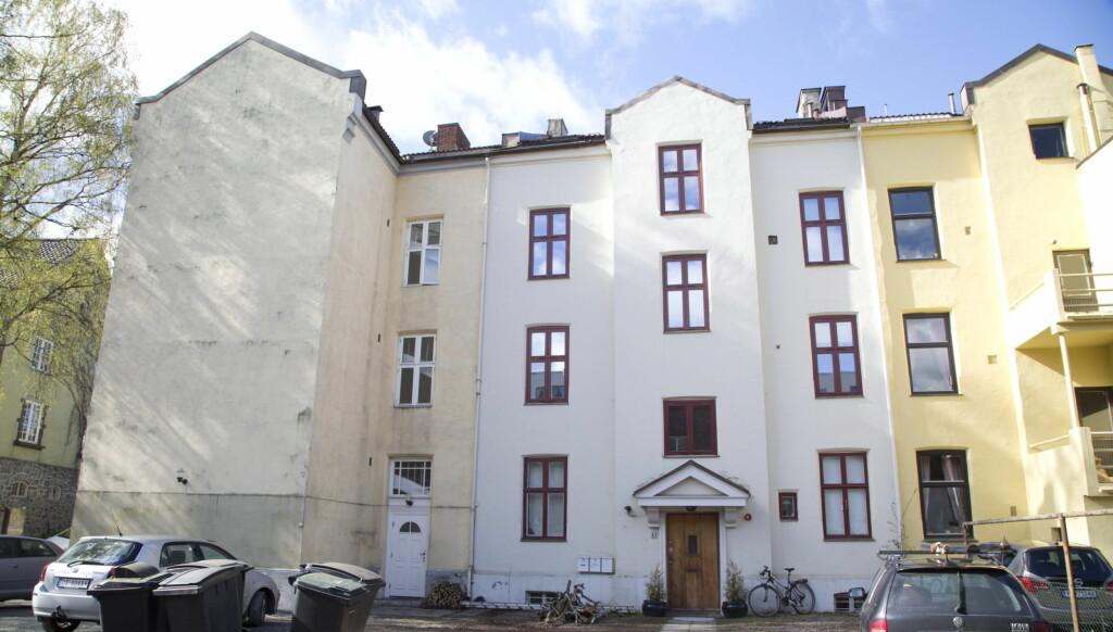 LEKKERT PÅ LOFTET: Mari Haugersveen og samboeren Michael Christophersen har investert i en stilig loftsleilighet på St. Hanshaugen. Prislapp: 3,2 millioner.  Foto: Morten Eik