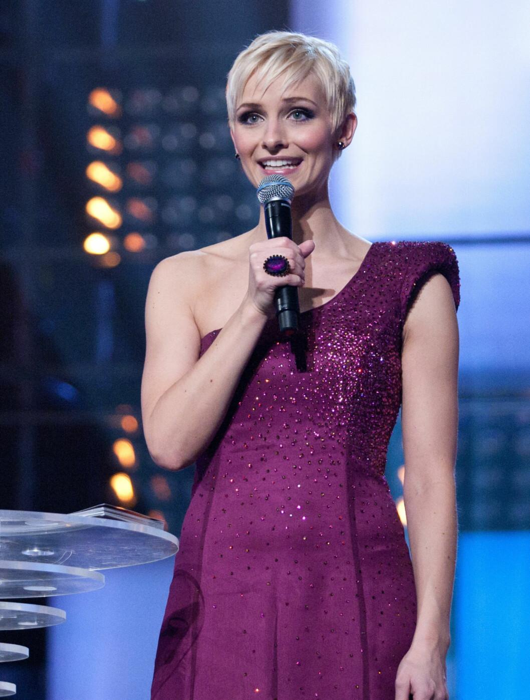 TSH: NRK-sportens Anne Rimmen er så glad i TSH-kjolene... Foto: Stella Pictures
