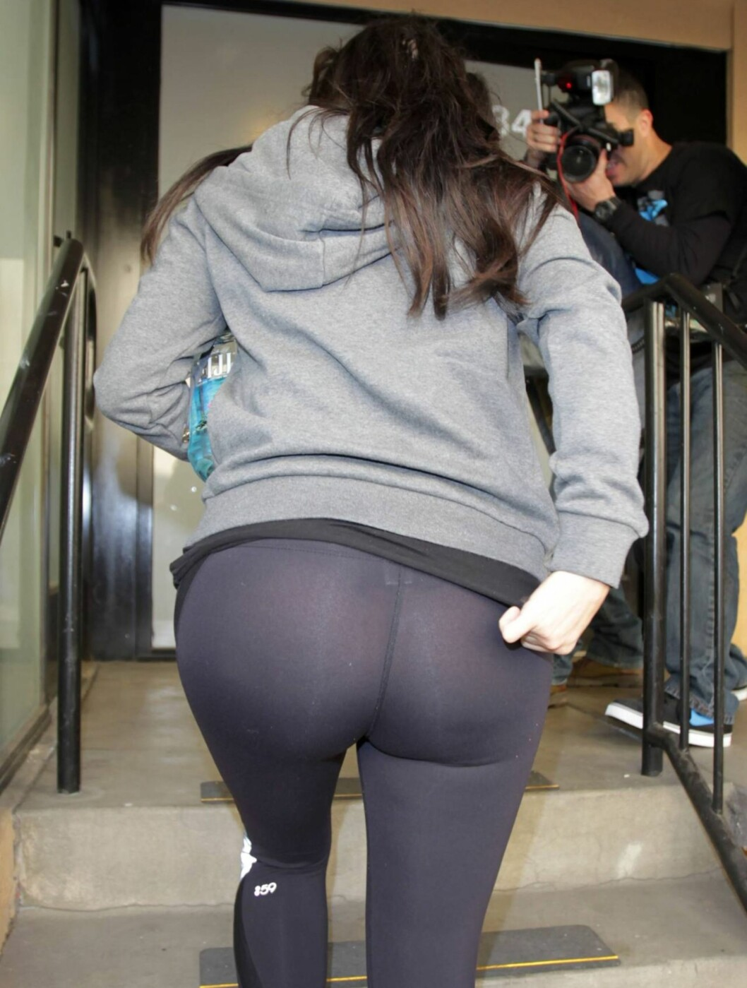 RUMPA TIL: Mon tro hva Kim synes om dette bilde... Foto: All Over Press