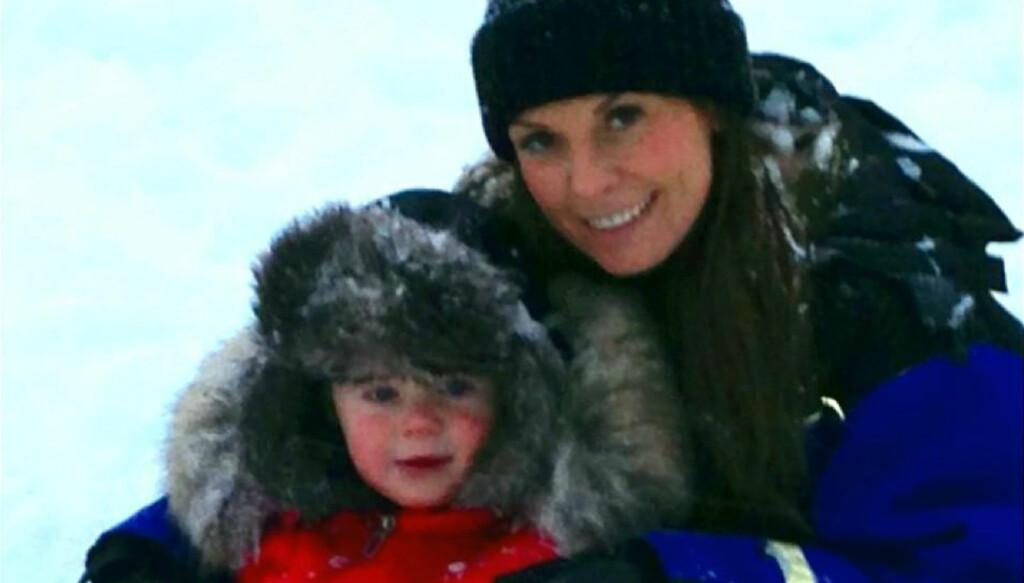 TIDLIG JULEFERIE: Coleen og Kai tok en tidlig ferie for å kose seg i snøen, som det ikke finnes mye av i Manchester. Foto: Stella Pictures