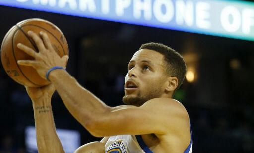image: Trump dropper seremoni for kritiske basketstjerner