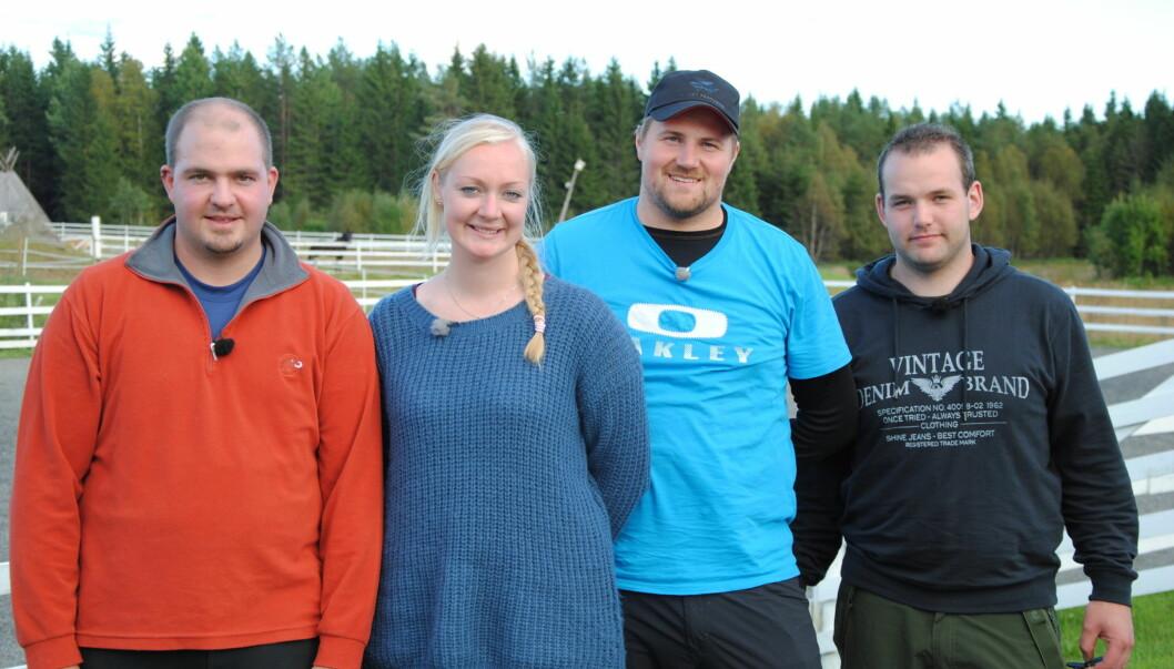 <strong>HVEM MÅ UT?:</strong> En av frierne må reise hjem i mandagens program. Fra høyre er Tobias Engels, Jøran K. Dahl, og Frank Sigvaldsen. Foto: TV 2