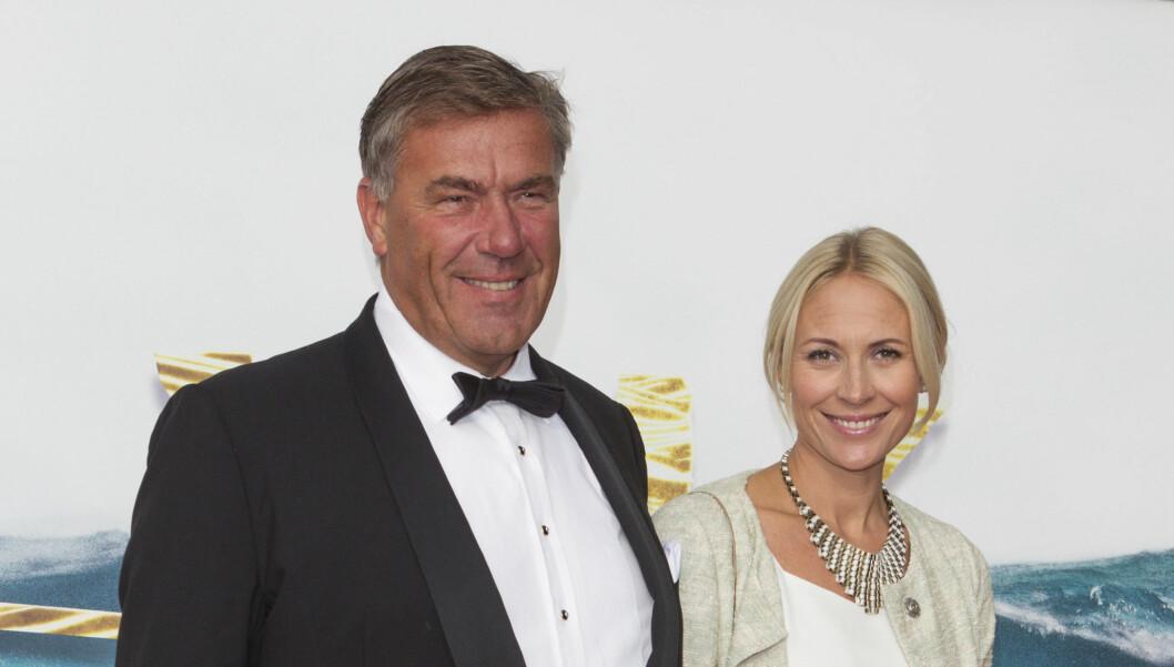 STOLT BESTEFAR: Styrtrike Stein Erik Hagen med sin høygravide datter Camilla på Kon-Tiki-premiere i august. Tirsdag fødte hun en datter på Rikshospitalet. Foto: Andreas Fadum