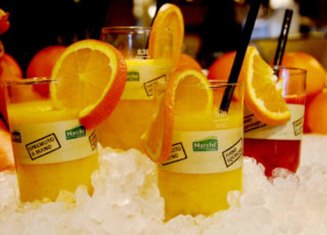 FERSKPRESSET:  Ferskpresset juice står alltid på bordet. Foto: John Terje Pedersen