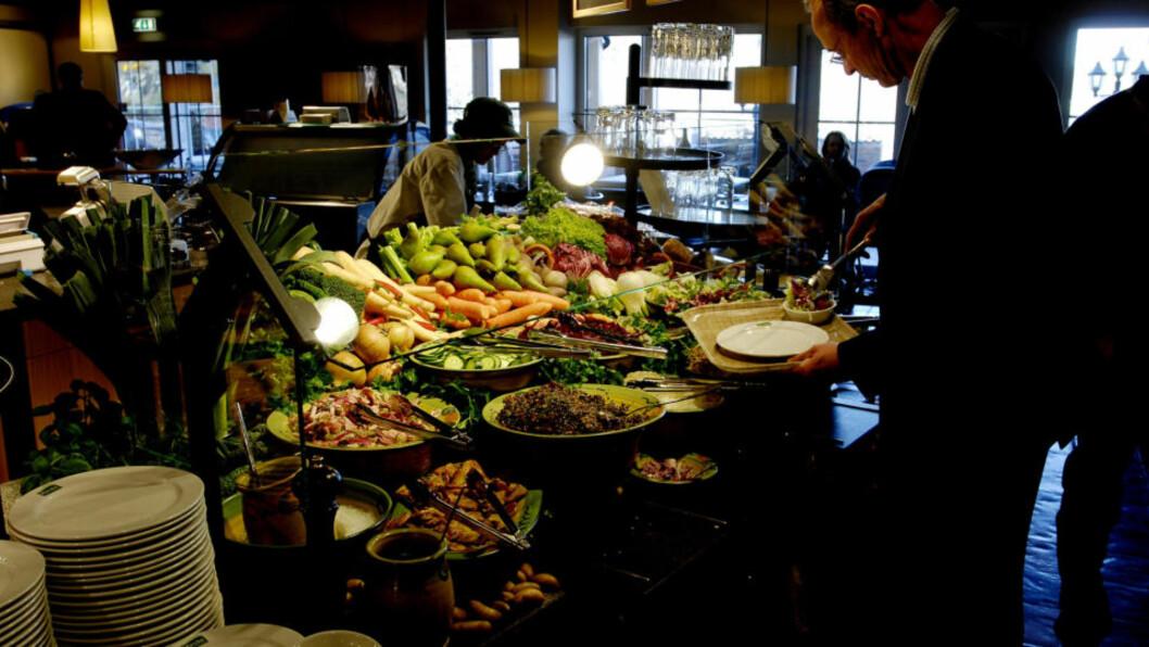 GOURMET PÅ LANDEVEIEN:  Marché-restaurantene satser på sunne matvarer. Her får man gourmetfølelse, er juryens begrunnelse for å kåre dette stedet til landveiens beste matsted. Foto: John Terje Pedersen