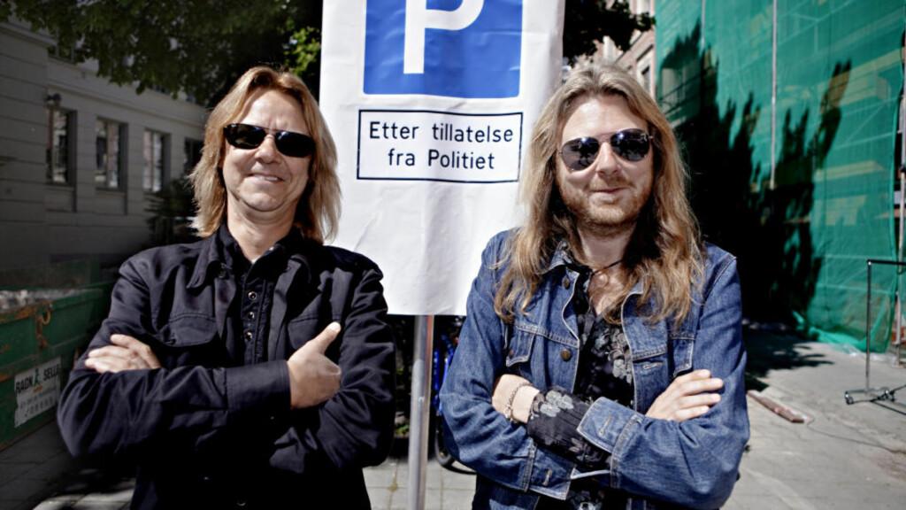 TO BRØDRE SOM VIRKELIG ER BRØDRE: Aslag Haugen (t.v.) og Lars Håvard Haugen i spissen for Hellbillies. Foto: Lars Eivind Bones/Dagbladet