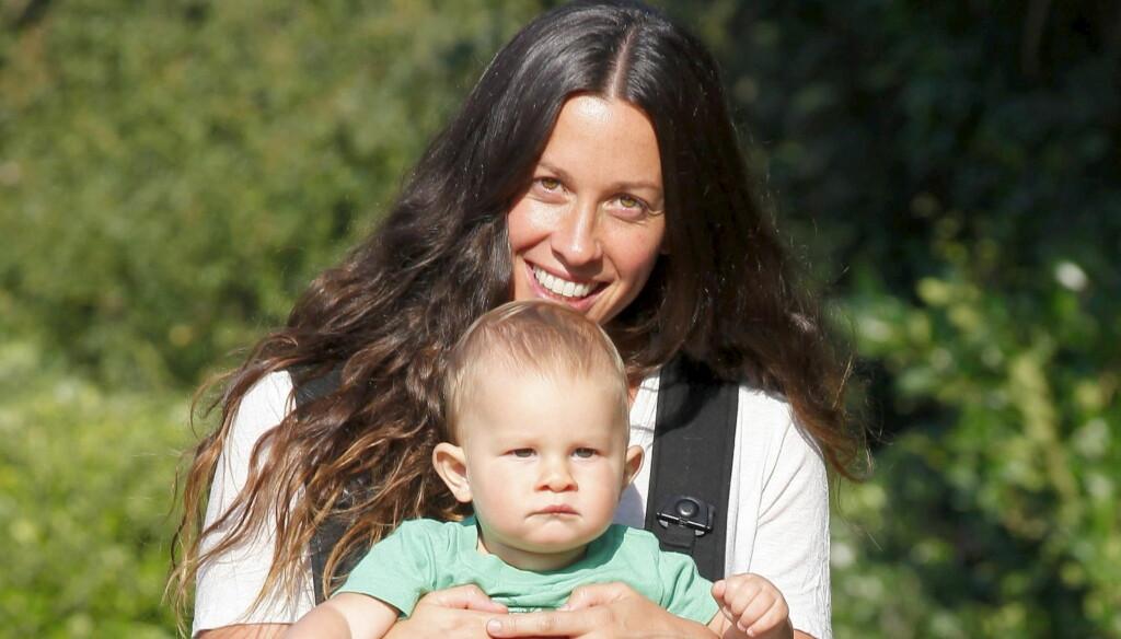 17 MÅNEDER: Lille Ever er bare 17 måneder gammel. Det betyr at han på langt nær er ferdig med å få brystmelk. Foto: All Over Press