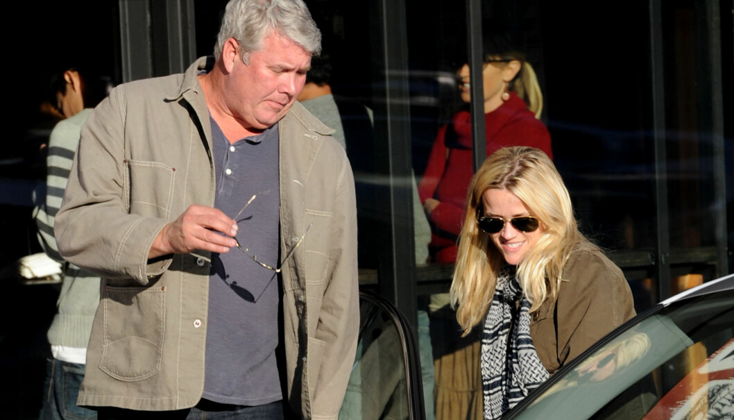 FORTSATT VENNER: Reese er fortsatt på bølgelengde med sin far John Draper Witherspoon som er tiltalt for flerkoneri. Foto: ALL OVER PRESS