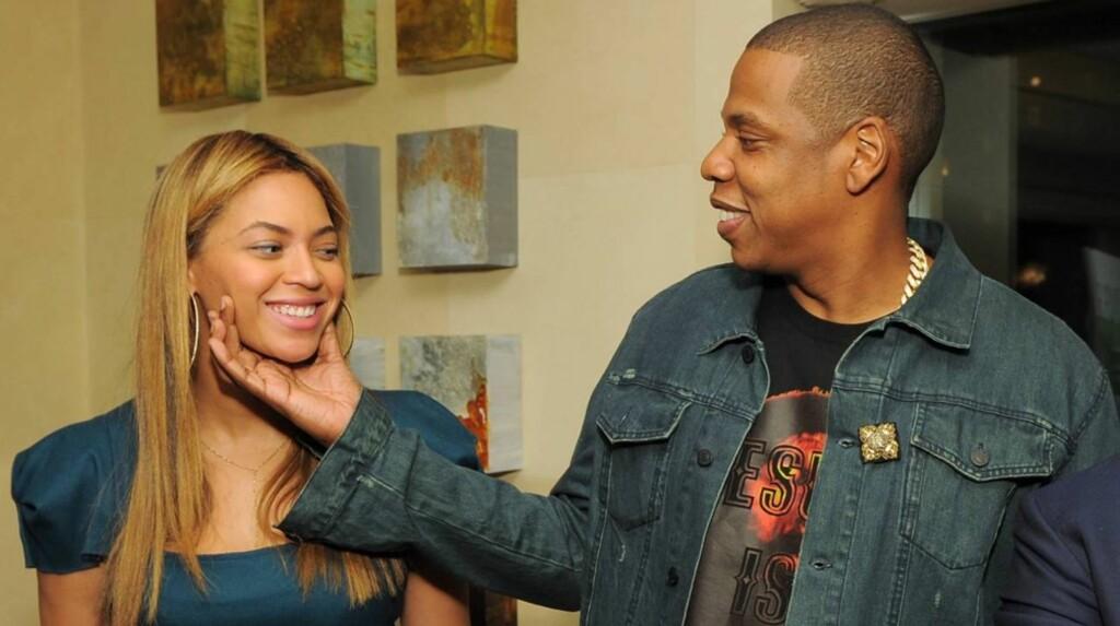 NATURLIG VAKKER: Beyoncé kom nesten usminket til en lanseringsfest i Los Angeles sammen med ektemannen Jay-Z.  Foto: All Over Press