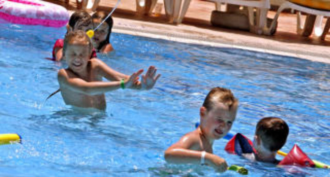 <strong>HYL:</strong> En aldri så liten vannkrig i bassenget må til..
