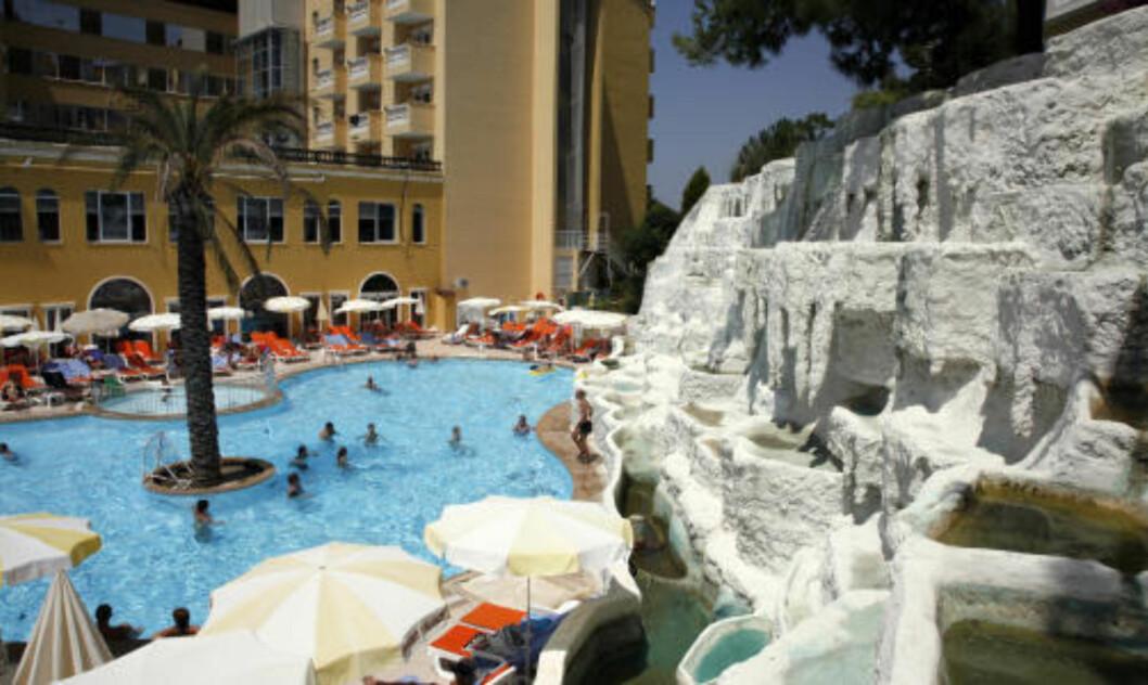 <strong>VAKKERT, MEN:</strong> Orient Palace i Alanya har fint utemiljø, men..