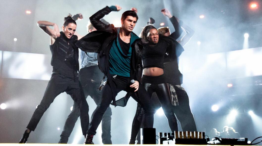 <strong>FALT IKKE I SMAK:</strong> Tooji fikk kritikk fra det svenske musikkpanelet under Eurovision-program.   Foto: Stella Pictures