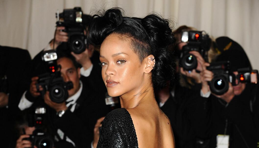 <strong>FESTET SEG TIL SYKEHUS:</strong> Rihanna er kjent for sin utholdenhet på fest, og etter den stilfulle Met-gallaen gikk det så langt at hun måtte på sykehus. Foto: Stella pictures