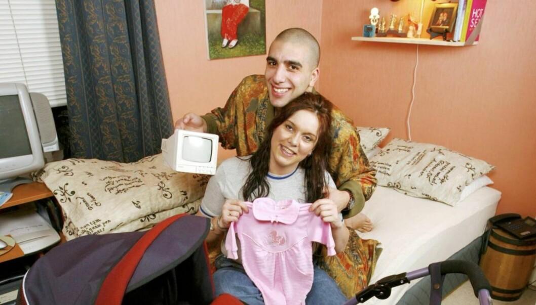 GRAVID: Anne Mona Suleiman og ektemannen Ramsy ble foreldre for tredje gang fredag. Her er de før fødselen av sitt første barn i 2002. Foto: Se og Hør