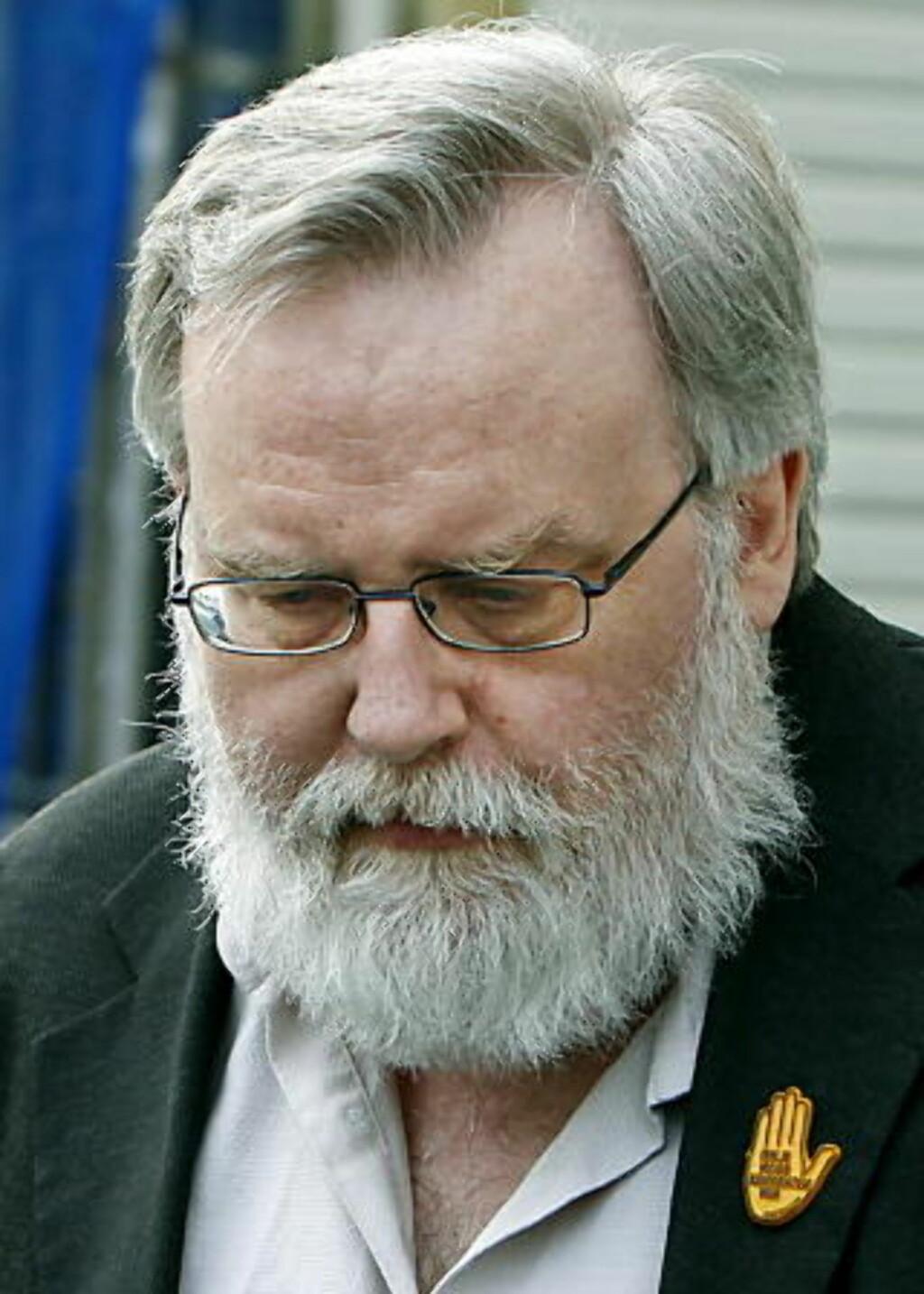 VIL ANKE: Hovedkasserer og daglig leder Kjell Gunnar Larsen (54) i SOS Rasisme. Foto: Jacques Hvistendahl/Dagbladet