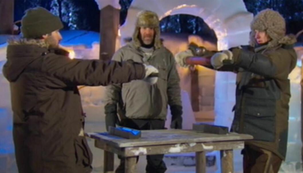 GA SEG FRIVILLIG: Lucas Scott Andersen (t.v.) ga seg frivillig da han måtte i duell med Ørjan Danielsen for å sikre sin eksistens i vinterutgaven av «Robinsonekspedisjonen». Foto: TV3