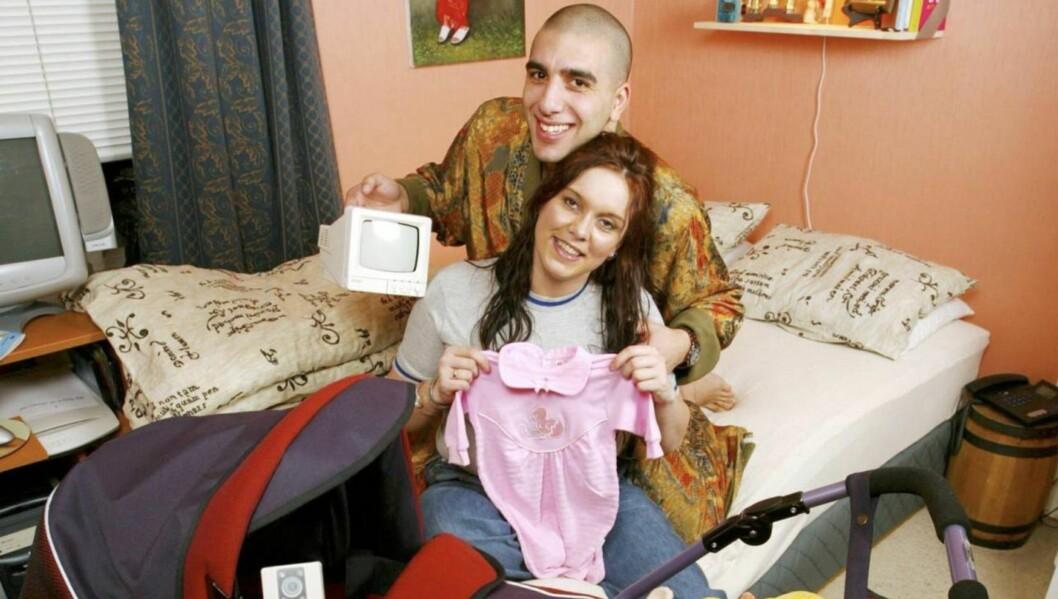 GRAVID: Anne Mona Suleiman og ektemannen Ramsy blir foreldre for tredje gang i nærmeste fremtid. Her er de før fødselen av sitt første barn i 2002.  Foto: Se og Hør