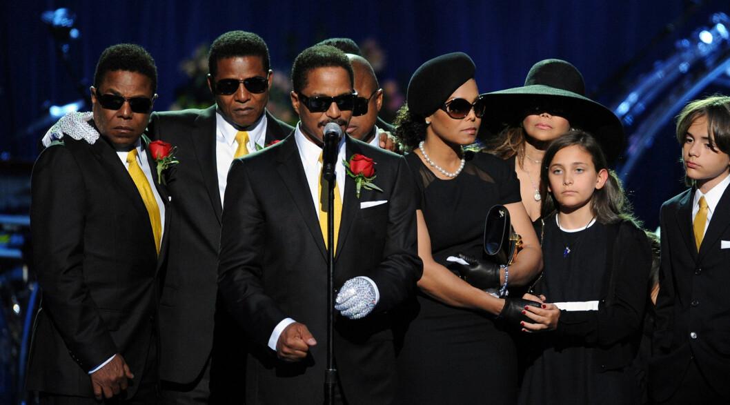 - LÅ I KRIG MED BRØDRENE SINE: Her fra minneseremonien for Michael Jackson i 2009. Foto: Stella Pictures