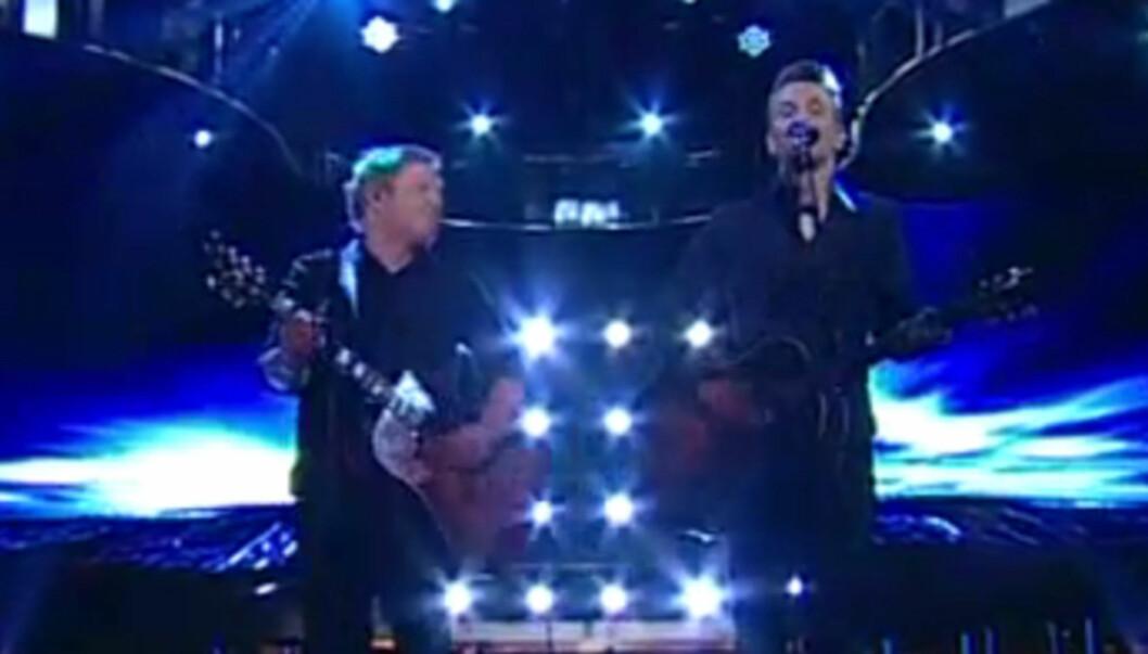 FIKK DRØMMEN OPPFYLT: Norske Christian Knutli fikk i helgen oppfylt sin drøm om å synge med Kurt Nilsen på den svenske utgaven av TV-programmet «Kvällen är din» Foto: TV 4