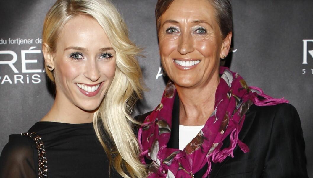 STOLT MAMMA: Anne-Lise Flatland ble ifølge KK så fornøyd med datterens naken-forside i bladet Alfa, at hun lagret den på mobilen, da hun så bladet i butikken. Foto: Stella Pictures