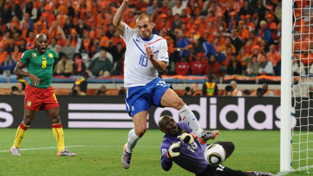 KRUTT: Alle som så Champions League i år vet at Inters Sneijder har krutt i støvlene. Så langt i VM har han ikke levd opp til forventningene, men med Robben tilbake i laget fra start, løsner det kanskje i dag. Foto: AFP