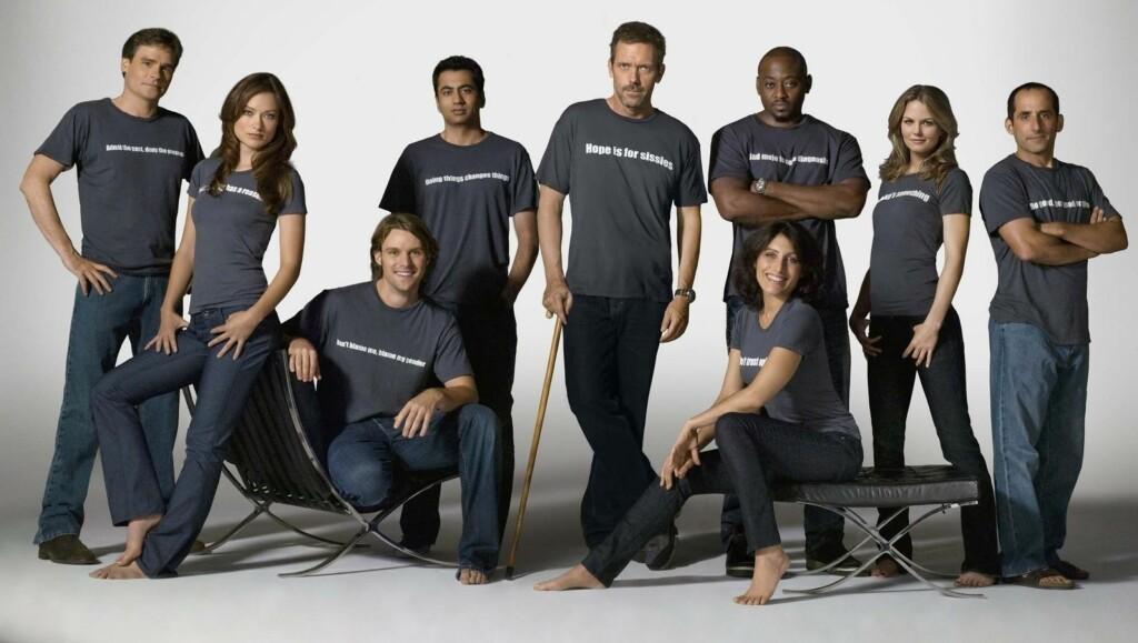 POPULÆR: Lisa Edelstein (foran t.h.) har i flere sesonger vært en populær skuespiller i TV-serien «House».  Foto: Stella Pictures