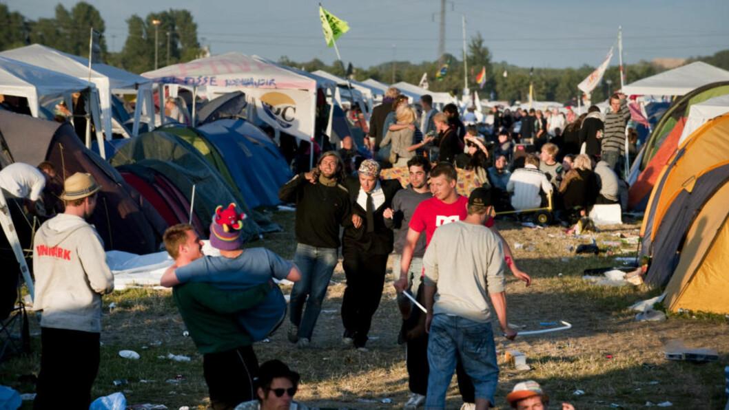<strong>ROSKILDE:</strong> I dag starter Roskilde-festivalen i Danmark. Allerede i natt ble to jenter overfalt på festivalens teltområde. Foto: PONTUS LUNDAHL / Scanpix