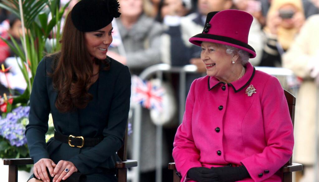 LITE BESØK: Dronning Elizabeth får lite besøk i påsken, verken fra hertuginne Kate eller resten av kongefamilien. Foto: All Over Press
