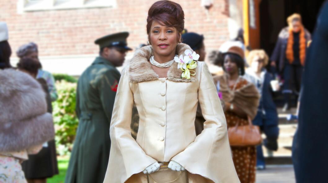"""<strong>SPILTE SANGER:</strong> I filmen """"Sparkle"""" spilte Whitney Houston en del av en jentegruppe som venter på sitt store gjennombrudd.  Foto: Stella Pictures"""