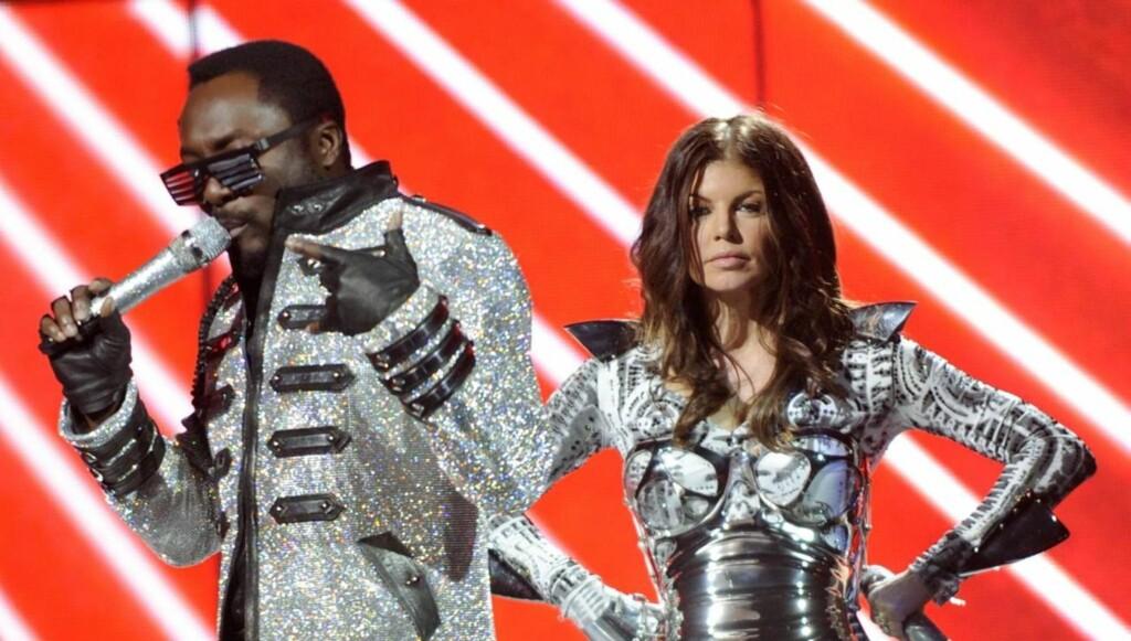 POPULÆR: Slik er vi vant til å se Fergie, på scenen sammen med gruppen Black Eyed Peas. Foto: All Over Press
