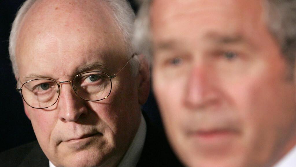 VISEPRESIDENT: Dick Cheney var visepresident under George W. Bush. Han har hatt en rekke hjerteproblemer, og hadde sitt første hjerteinfarkt da han var 37 år gammel. Foto: Scanpix