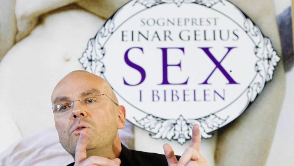 RABALDERBOK: Einar Gelius var svært frittalende og hadde blitt kalt inn på teppet før, men det var sexskildringene i boka «Sex i bibelen» som fikk altebegeret til å flyte over for Oslo-biskop Ole Christian Kvarme. Foto: SCANPIX