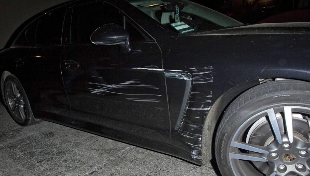 RIPER: Slik så Lohans bil ut etter ulykken som skjedde tidligere denne måneden. Foto: All Over