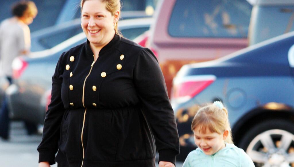 ANDRE GANG: Nå har Carnie Wilson operert vekk 14 kilo. Her er hun sammen med datteren Lola. Foto: Stella Pictures