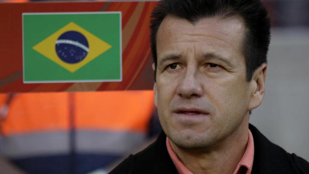 <strong>BRASIL:</strong> Han var Brasils landslagssjef under VM, men fikk sparken etter mesterskapet. Hva heter han? Foto: AP