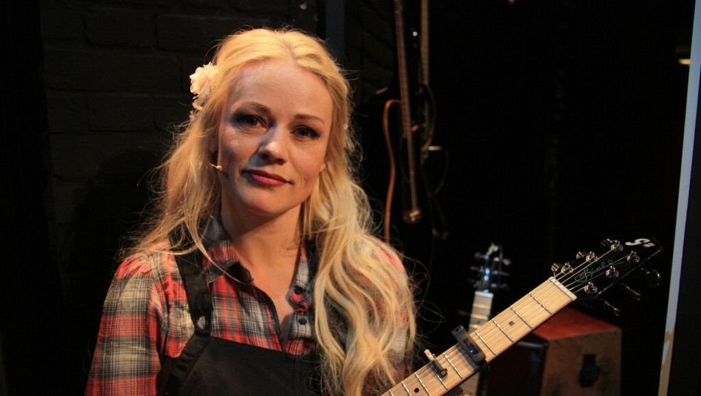 IKKE BARN: Unni Wilhelmsen (40) forteller at hun har valgt bort barn. Denne uken debuterer artisten på teaterscenen i stykket «Postkort fra Lillebjørn» på Oslo Nye teater. Foto: Anders Myhren/ Seoghør.no.