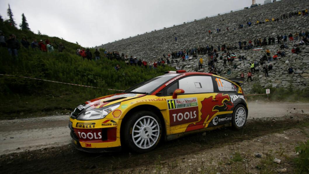 <strong>MED I TOPPEN:</strong> Petter Solberg ligger på tredjeplass, 38 sekunder bak Sebastien Loeb etter første dag av Rally Bulgaria. Foto: Stoyan Nenov, Reuters/Scanpix