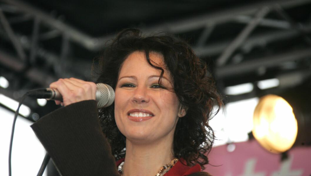 GLAD I SJOKOLADE: Trine Rein avslører sin største svakhet i matveien. Her opptrer hun for Kreftforeningens Rosa Sløyfe-aksjon i Oslo i 2008. Foto: Stella Pictures