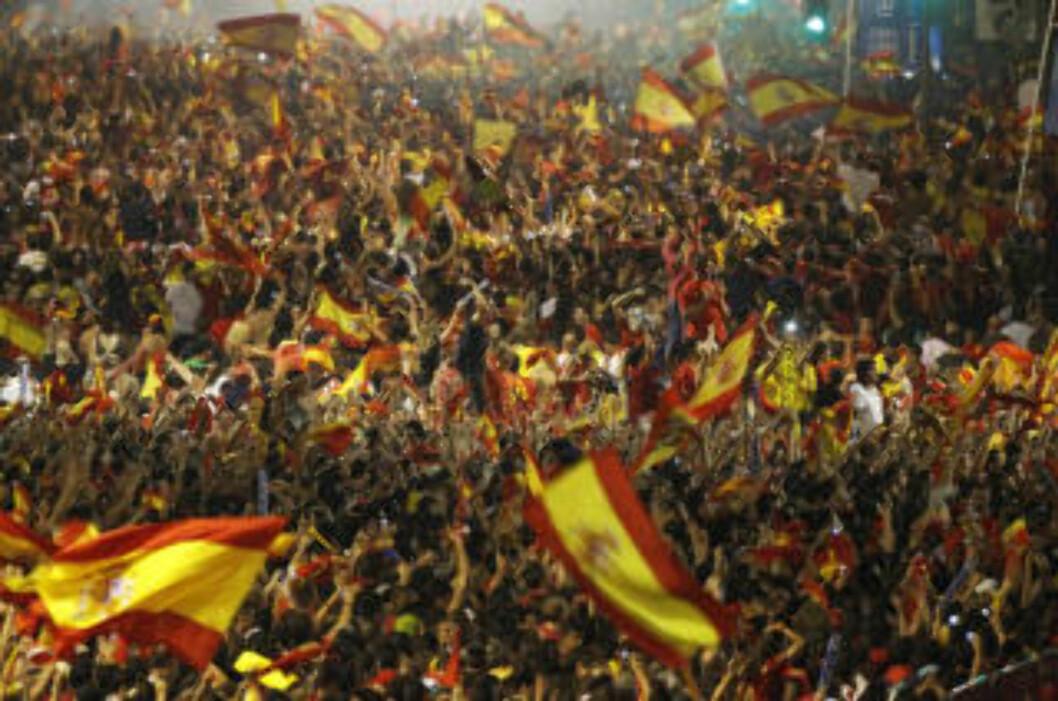 <strong>FOLKEFEST:</strong> Slik så det ut i Madrid dda Andres Iniesta sendte Spania til VM-gull for første gang.Foto: SCANPIX