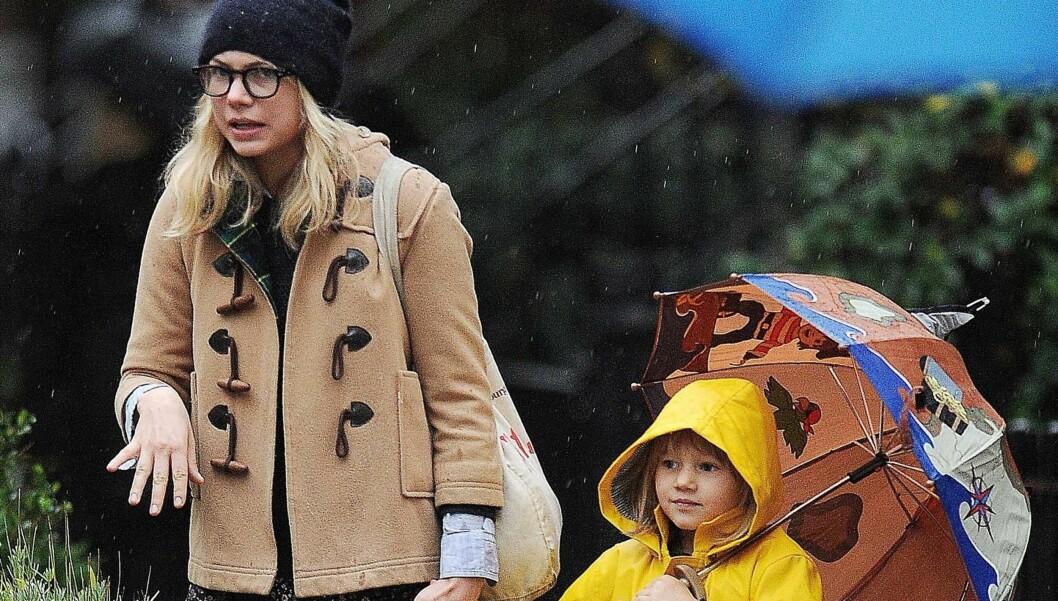 ALENEMOR: Michelle Williams har vært gjennom noen tøffe år etter Heath Ledgers dødsfall som alenemor for datteren deres Matilda.  Foto: Stella Pictures